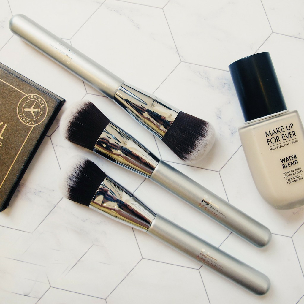 Cọ Nền IT Cosmetic Foundation Brush