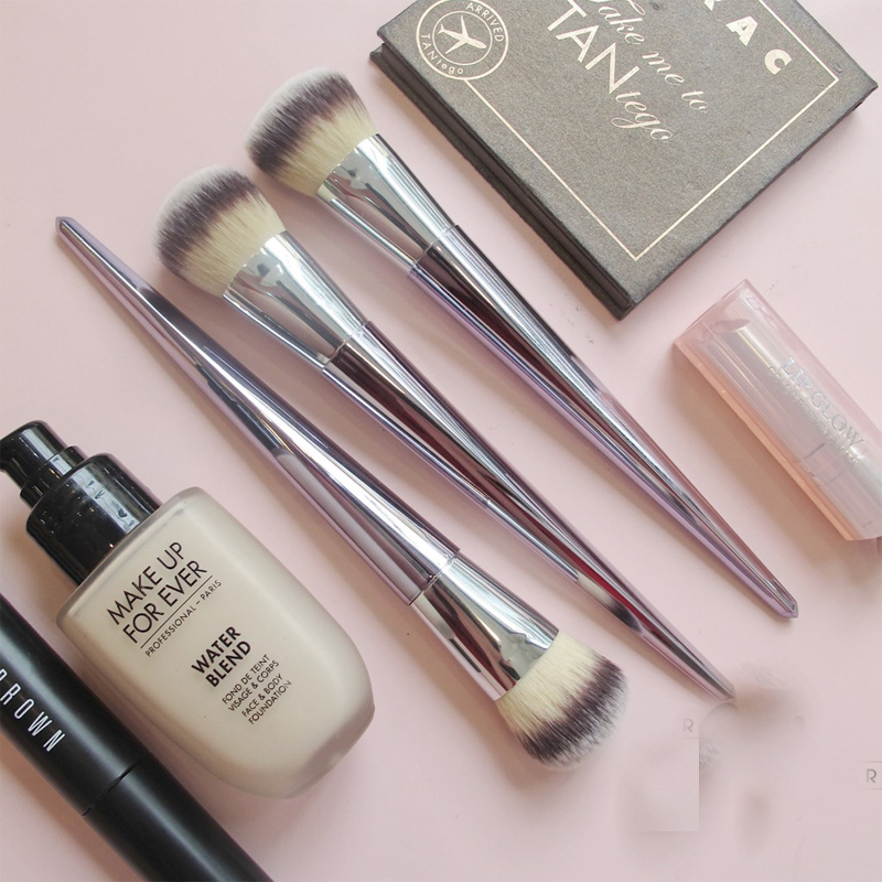 Cọ IT Cosmetics Foundation Brush ( không logo)