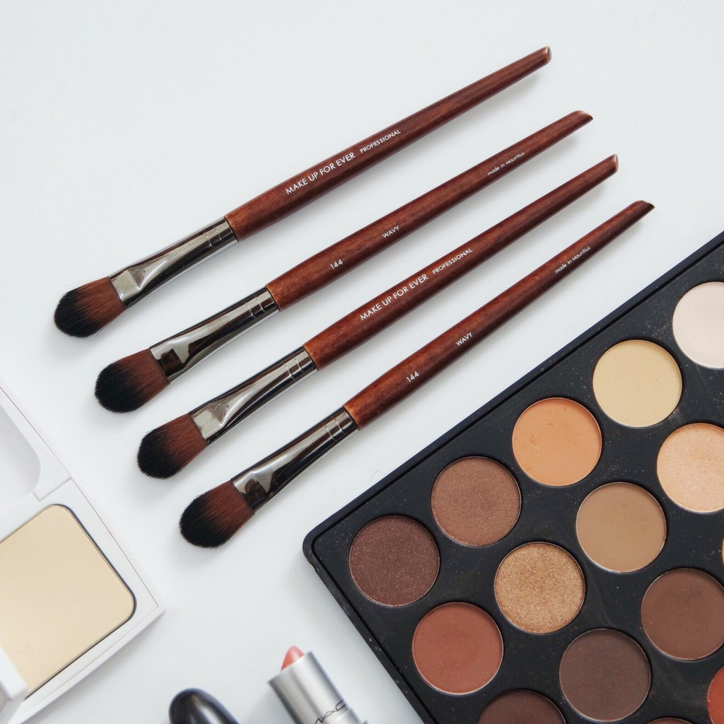 Cọ Highlight Makeup Forever 144